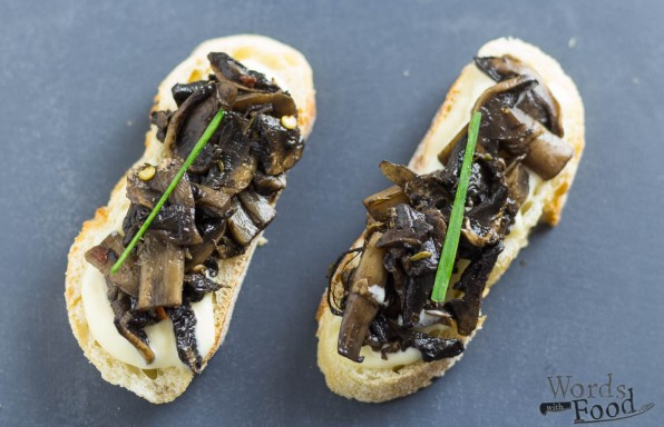 Mushroom Tapa With Roasted Garlic Aioli